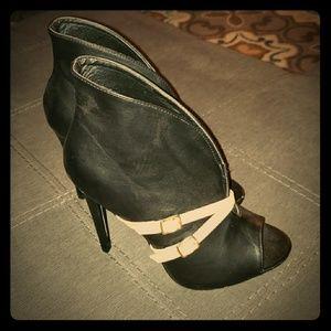 Women's Heeled Peeptoe booties